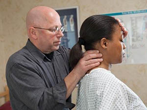 恒怡運動在對頸椎病預防和康復中的注意事項
